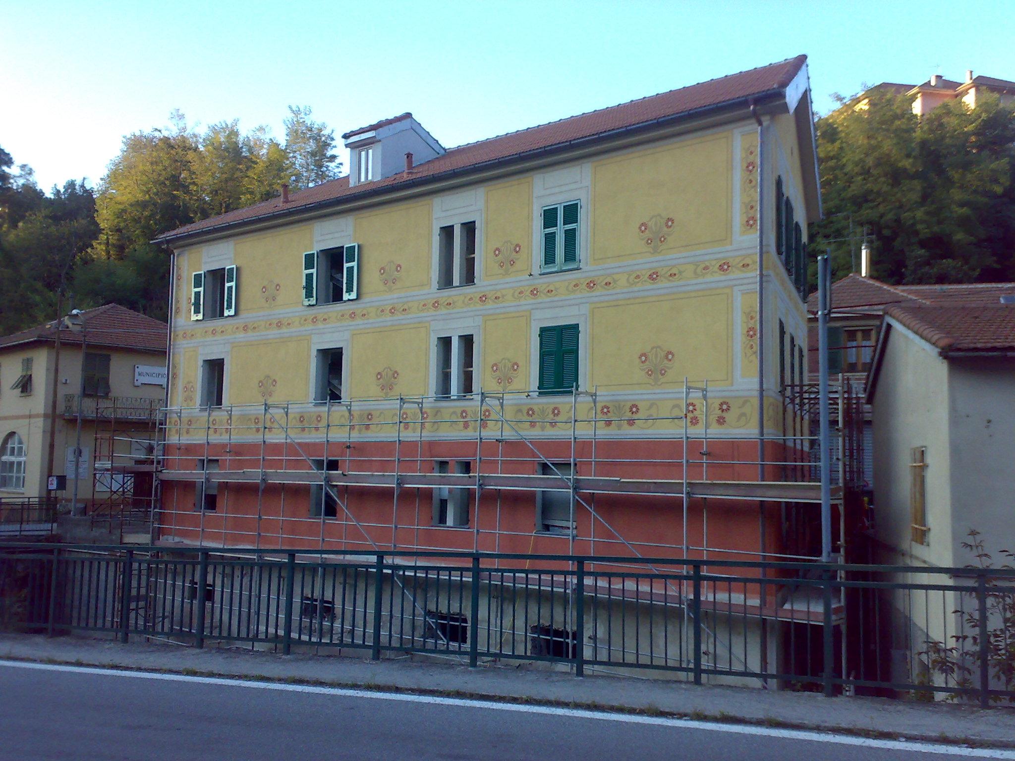 I ponteggi della casa comunale sant 39 olcese inform for Casa comunale