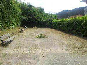 I giardini di via Fratelli Cervi dopo una pulizia